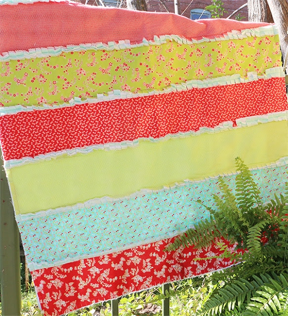 One Hour Rag Quilt Video Tutorial with FREE Pattern! - The Jolly ... : quilt video - Adamdwight.com